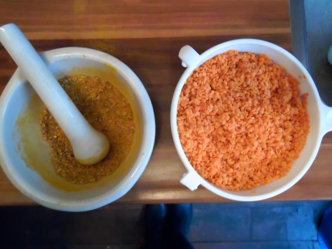 geelwortel en oranje linzen