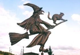 heksen OP BEZEMSTEEL