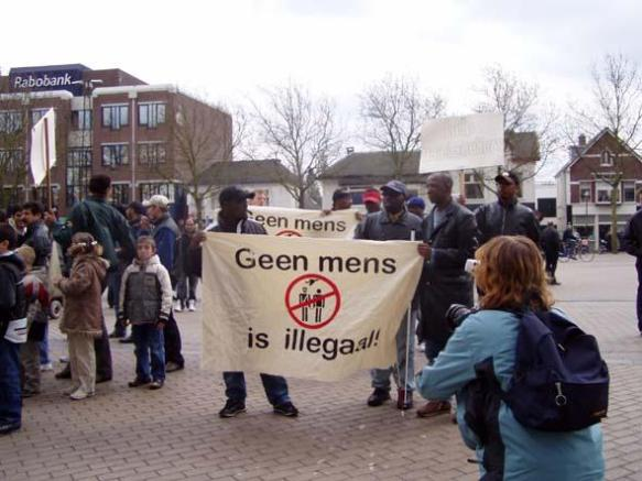 GEEN MENS IS ILLEGAAL