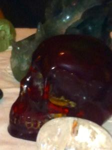 Kristallen schedelmeditatie, Kristallen schedels, reiniging en transformatie, veld van schedels, Emed, zwarte drakenschedel, lady Amber, schedel van amber, antiek, Nepal