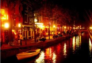 Wallen, Amsterdam, red light district Amsterdam, ouwehoeren, prostitutie, raamprostitutie,