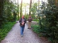 Tambour-maître, Band of Liberation, Leiden, oefenen in Het Leidse Hout, Tambour-maître stok