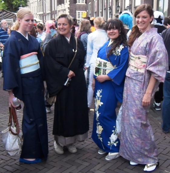 vrouw in kimono, Japan, traditioneel, kimono parade, het kimonogenootschap