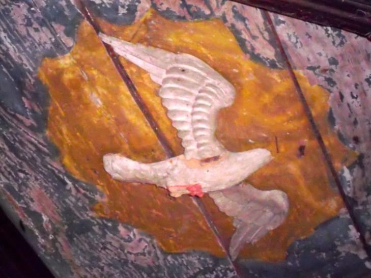 Monbos, kerkje uit de 11e eeuw, pre christenlijke afbeeldingen, heidense kerk