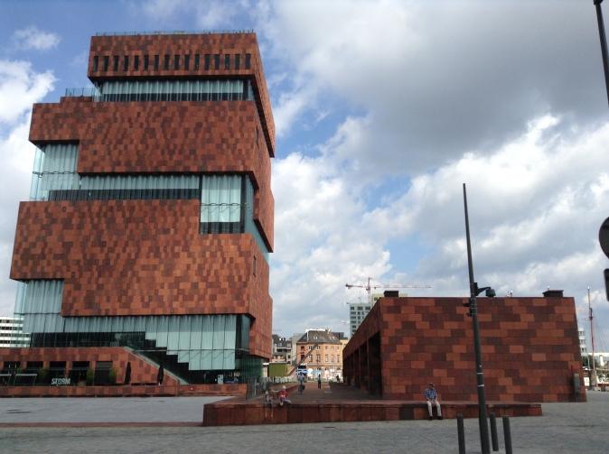 MAS, Museum aan de Stroom, Antwerpen, alternatief terrasje naast het MAS