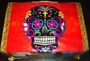 wensdoos, schedel, doodshoofd, doodshoofd met kleurtjes, vrolijke schedel