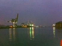 hijskraan,havens van Amsterdam, havensafari, nacht, schip, lichtjes in de nacht