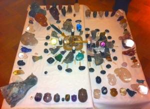 KRISTALLEN SCHEDELS, DRAKENSCHEDELS, KRISTAL, RAVENSCHEDELS, veld van kristallen schedeltjes, lemurische zaadkristallen, heksenvingers,