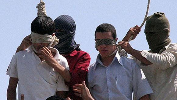 homovervolging iran, homo's opgehangen