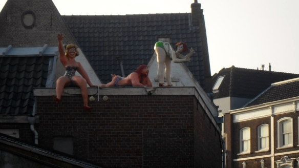 dames op het dak, beelden, Gouda