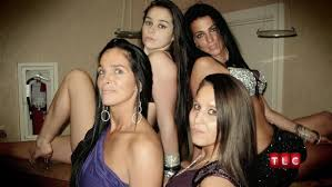 gypsy sisters , ZIGEUNER ZUSTERS, ROMA, REIZIGERS, ZUSTERS,