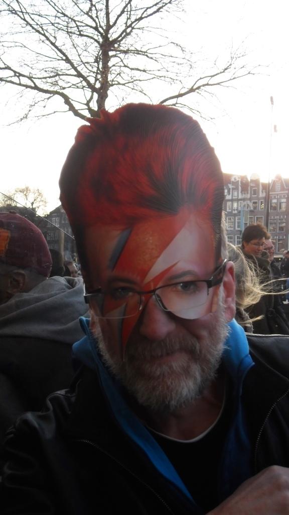 man met masker, mannen met masker, Freddy Mercuri, Mick Jagger, man met baard en masker, bril, gemaskerde mannen