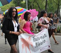 transgender, man verkleed als vrouw, travestiet, opgemaakte man, beroemde mannen als vrouw