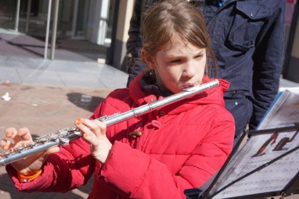 meisje met dwarsfluit, koningsdag 2015, Leiden