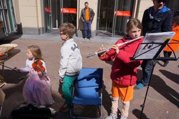 meisje met viool, koningsdag 2015, Leiden, viool,